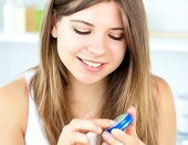 Wazelina, silikony i lanolina na azs - leczenie atopowego zapalenia skóry